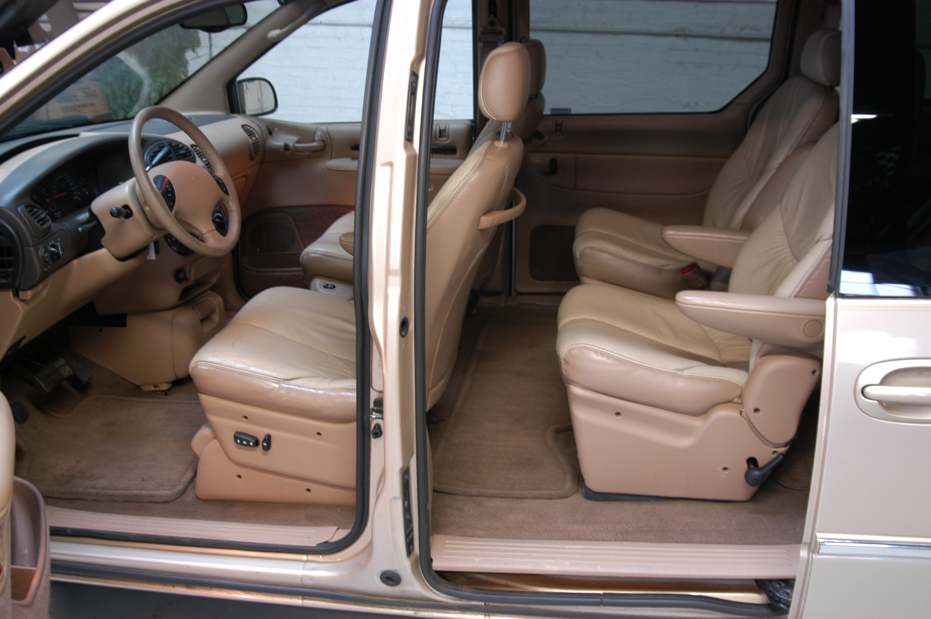 1998 chrysler town and country for 1999 chrysler town and country window problems